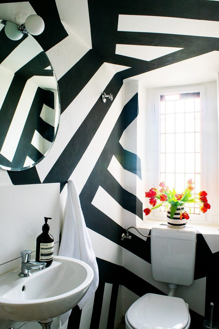 Black And White Stripes Geometric Wall Paint