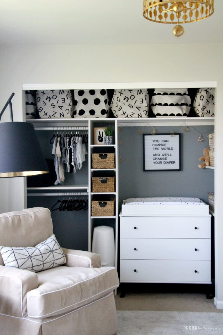 Black and White Closet Organizer