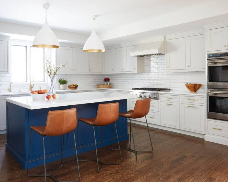 Casual Chic Blue and White Kitchen