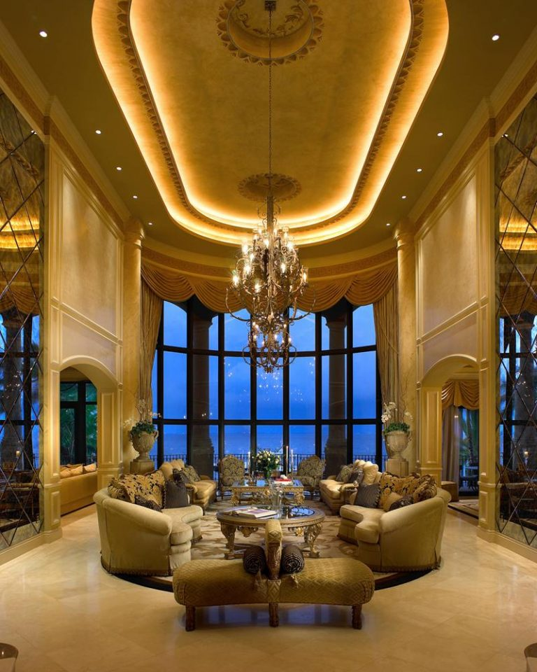 Classic And Fancy Mansion Living Rooms