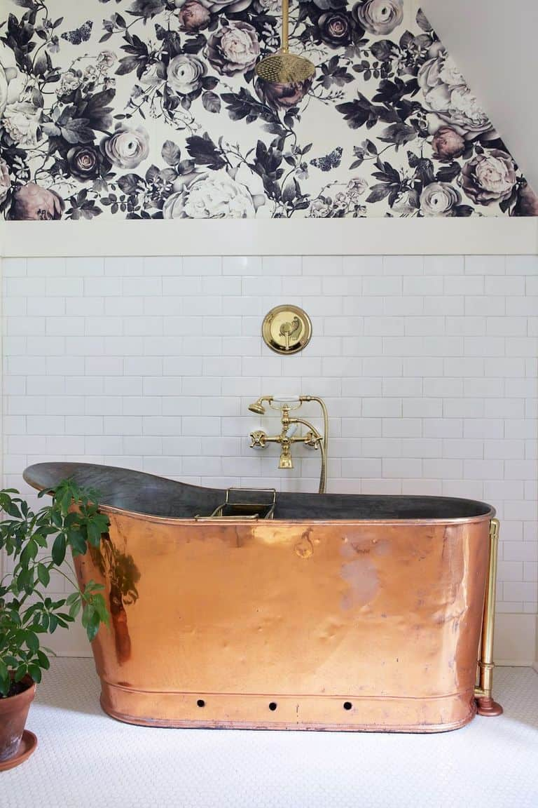 Copper Bathtub Farmhouse Bathroom Decor Ideas