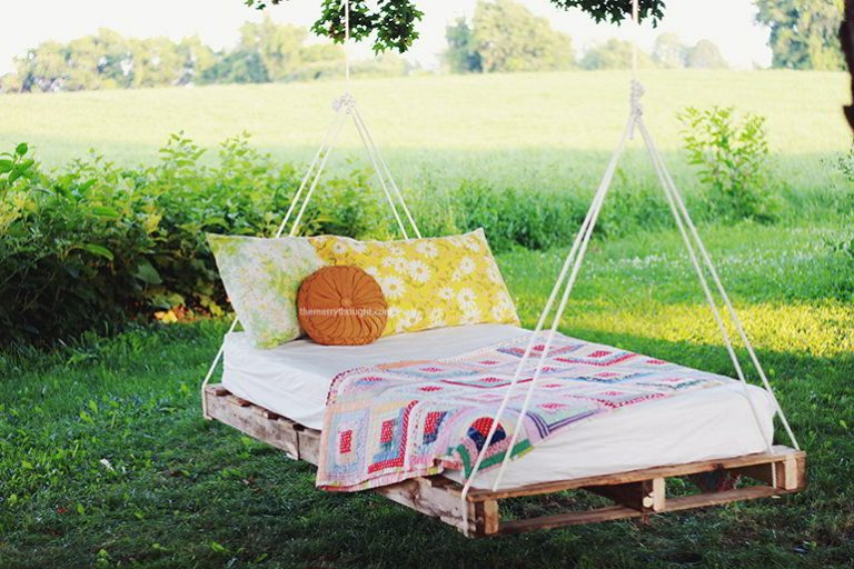 Cozy Hanging Bed In Backyard Ideas