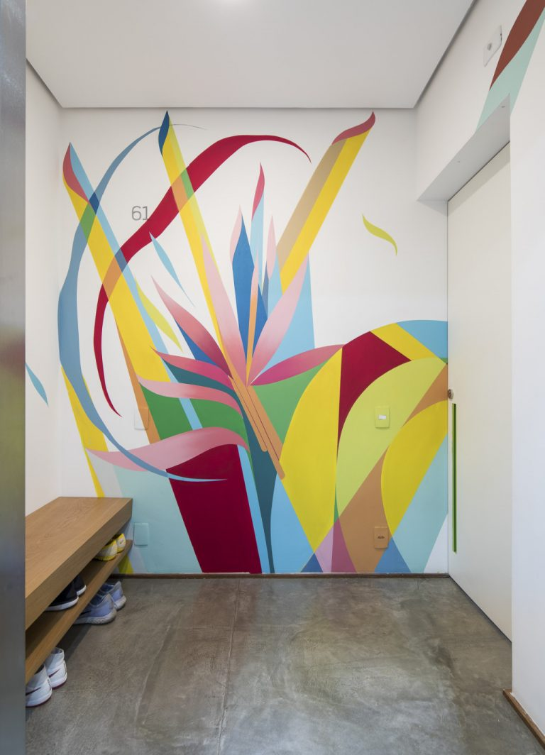 Creative Geometric Wall Paint