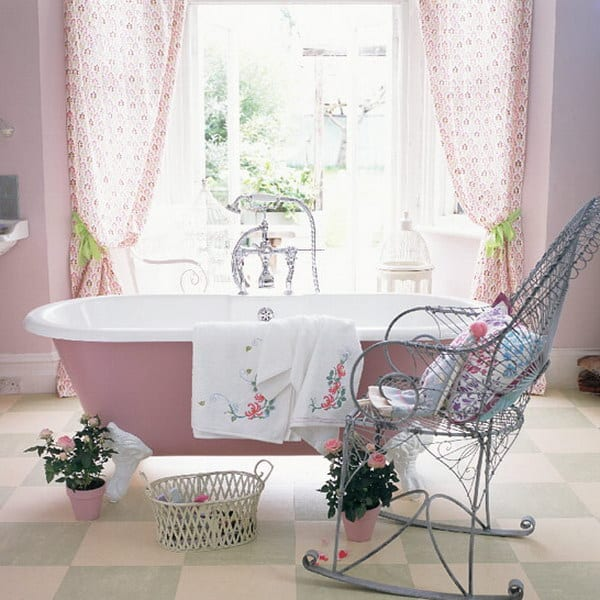 Cute Shabby Chic Bathroom