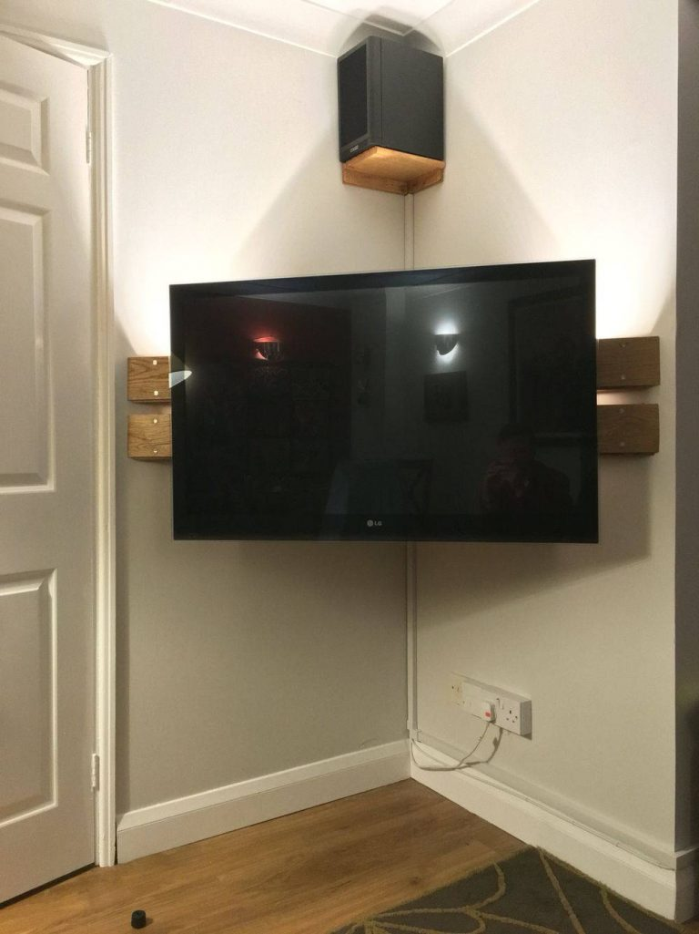 Easy DIY Corner Shelf TV Stand