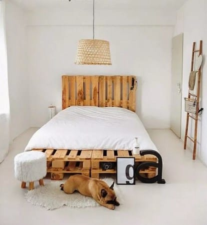 DIY Easy Pallet Bed Frame