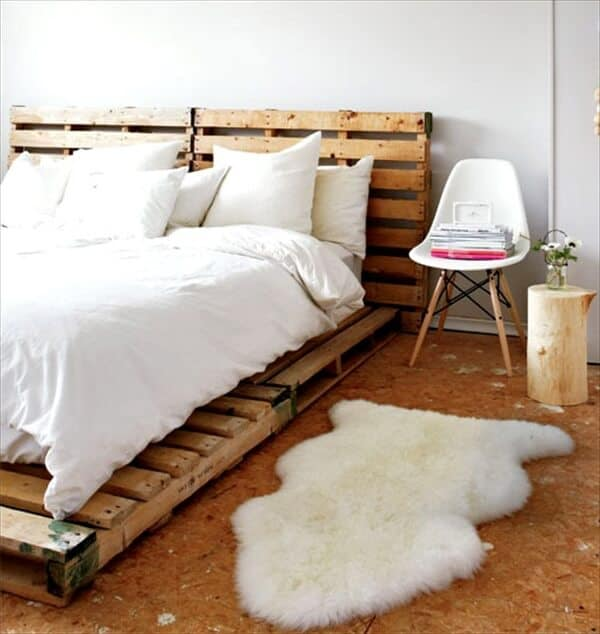 DIY Pallet Bed Frame Flooring
