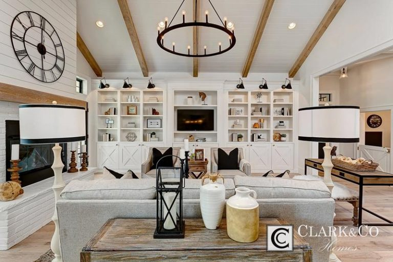 Farmhouse Mansion Living Rooms