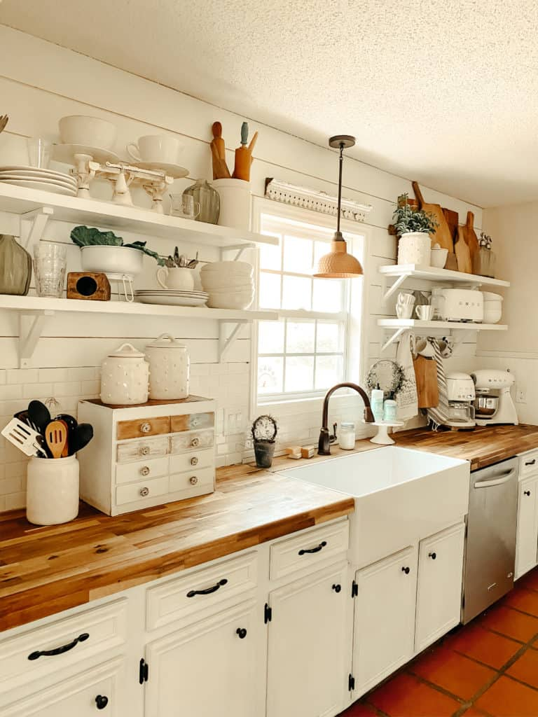 Farmhouse Open Kitchen Shelving