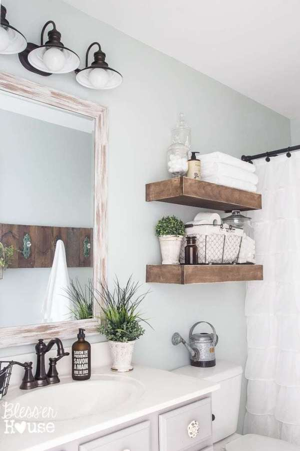 Farmhouse Shabby Chic Bathroom