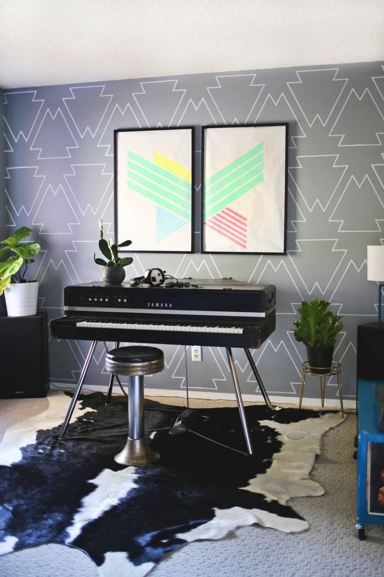Grey Patterned Geometric Wall Paint