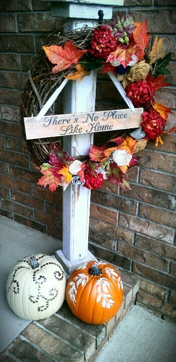 Inexpensive Wreath Stand