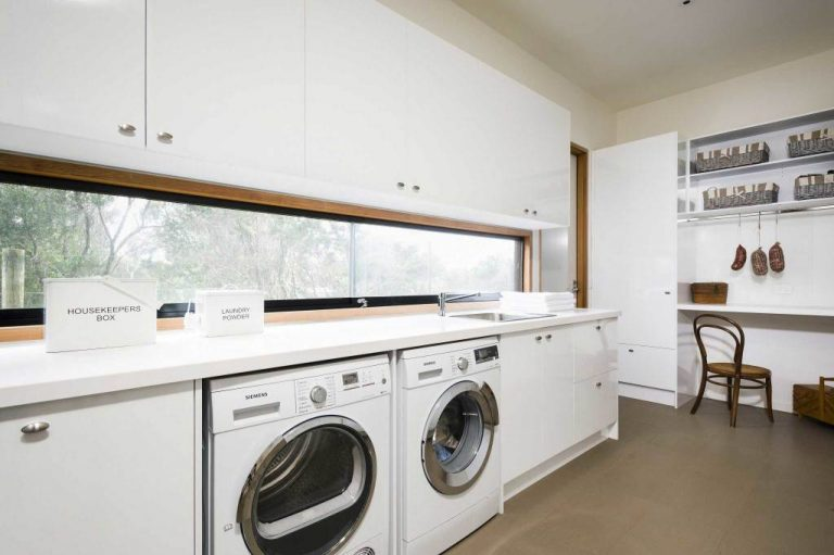 Laundry Room Idea for Spacious Area