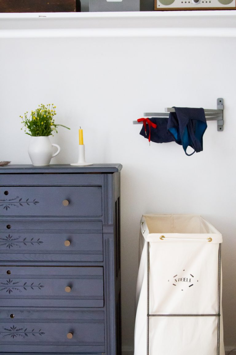 Laundry Room Ideas for Tiny Apartment
