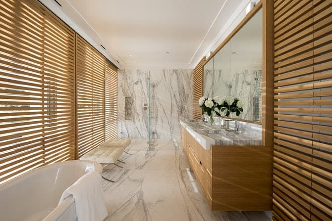 Luxurious Bathroom with Wooden Blind Screen