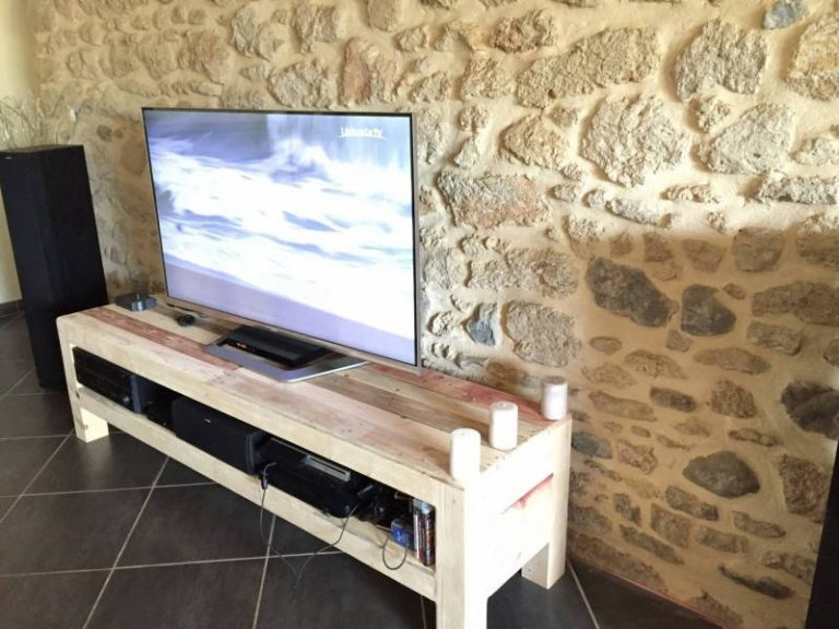 Meuble Pallet TV Stand