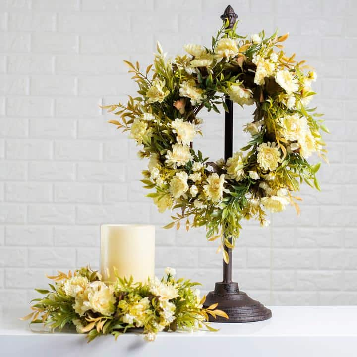 Mini Table Wreath Stand