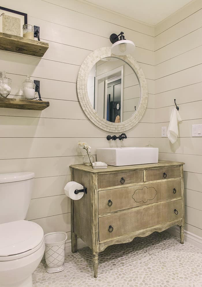 Natural Shabby Chic Bathroom