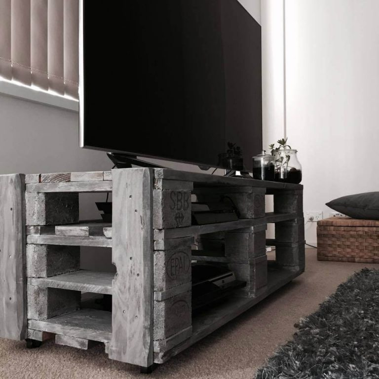 DIY Pallet TV Stand with Cubby Style Storage