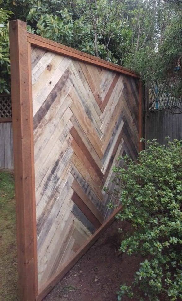 Pallets Outdoor Privacy Screens