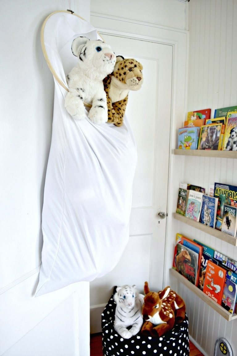 Easy Pillowcase Stuffed Animal Storage