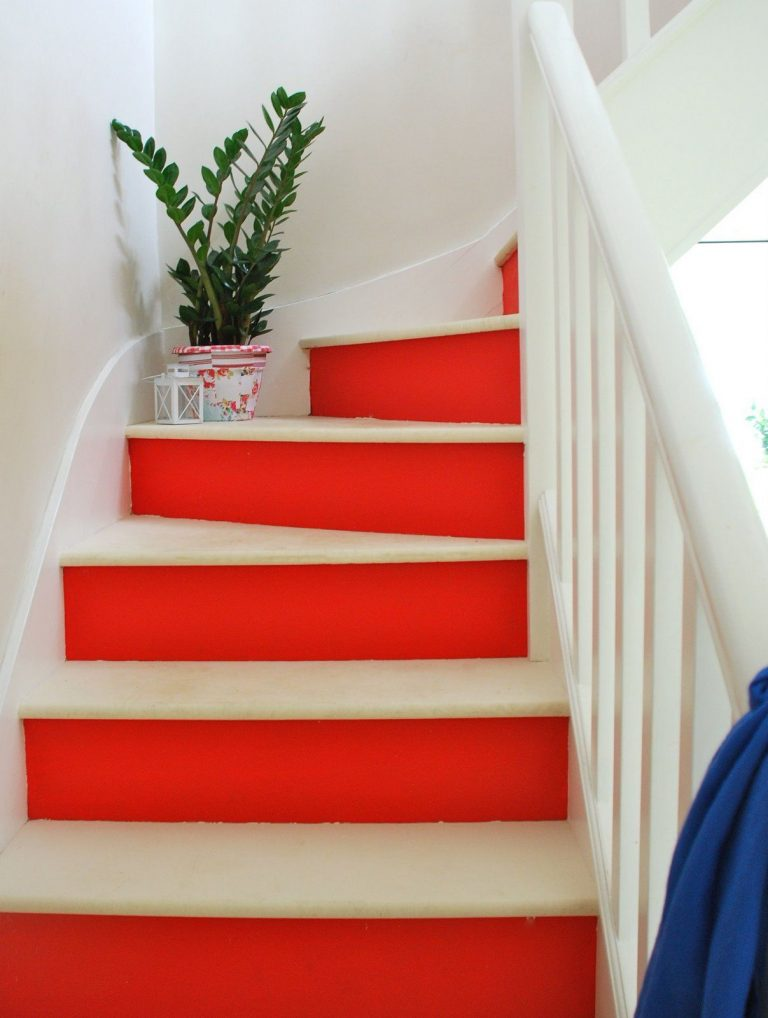 Painted Stairs Ideas - Charming Red and White Painted Stairs