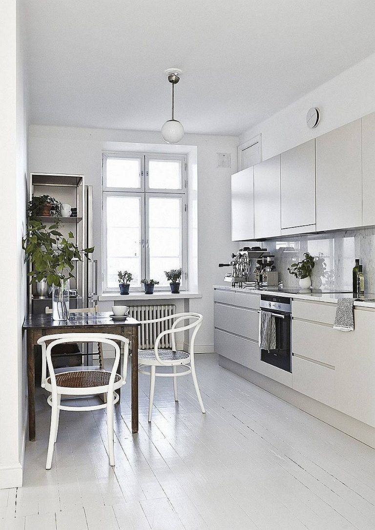 Scandinavian Kitchen Style with Small Breakfast Nook