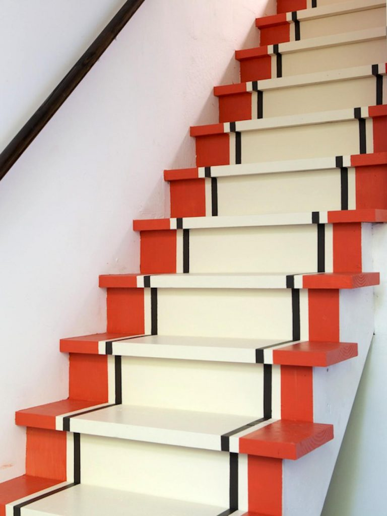 Painted Staircase Ideas - Simple Painting Design