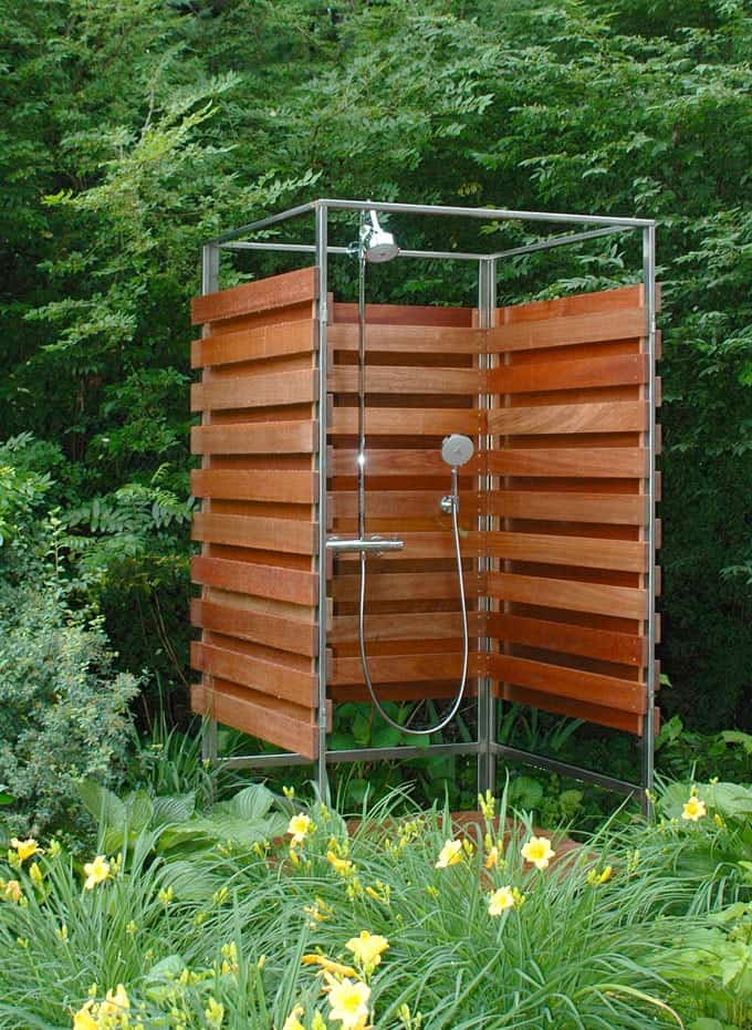 Small And Stylish Outdoor Shower Ideas