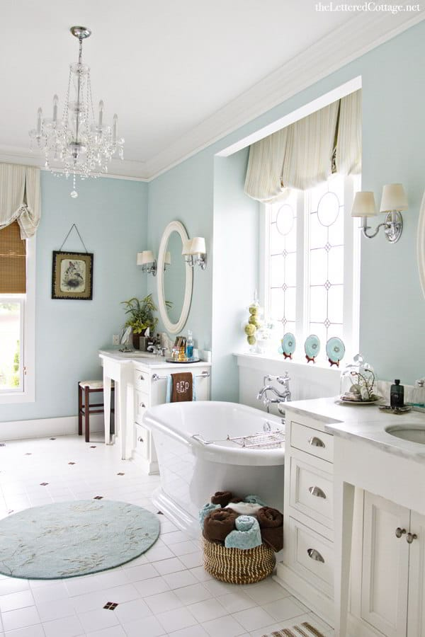 Soothing Shabby Chic Bathroom