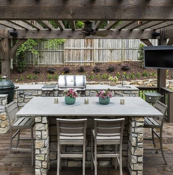 Sturdy Outdoor Kitchen