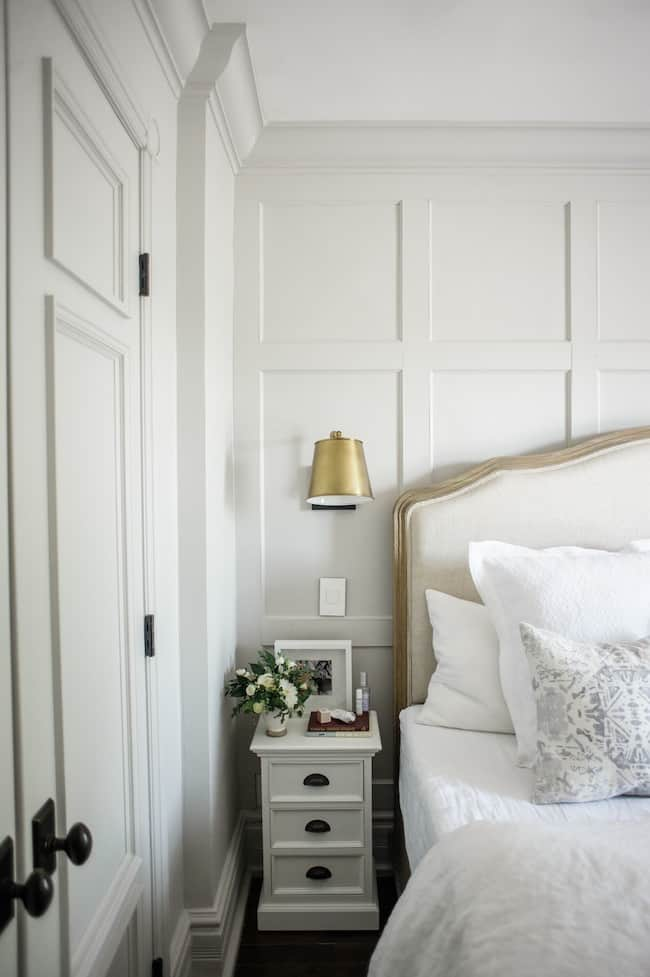 Traditional Chic Small Nightstand Ideas