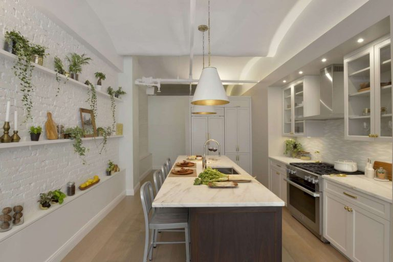 Transitional White Kitchen Design