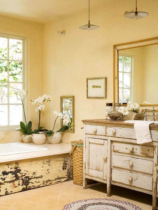 Warm Shabby Chic Bathroom