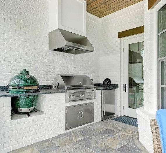 White Brick Outdoor Kitchen