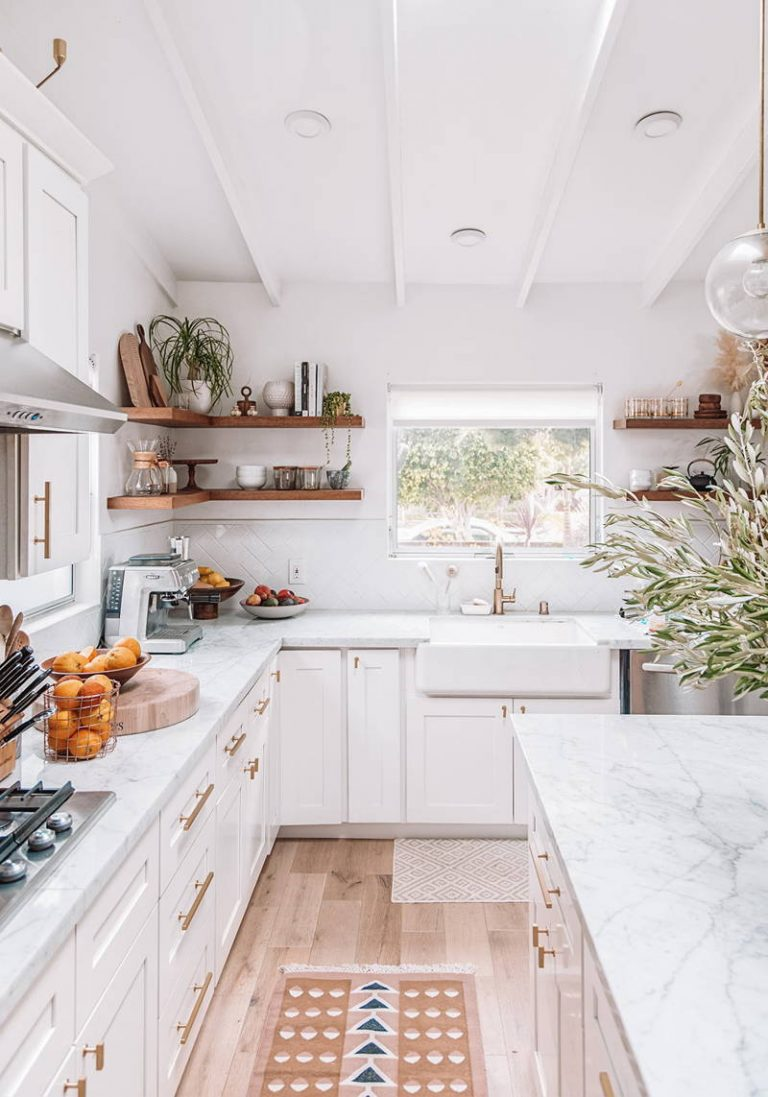 White Kitchen Designs with Natural Lights