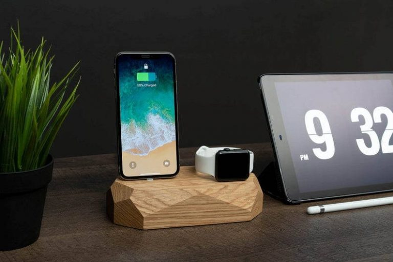 iPhone apple watch docking station